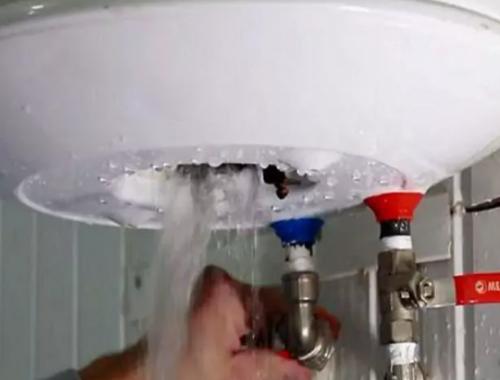 Проблема со сливом воды